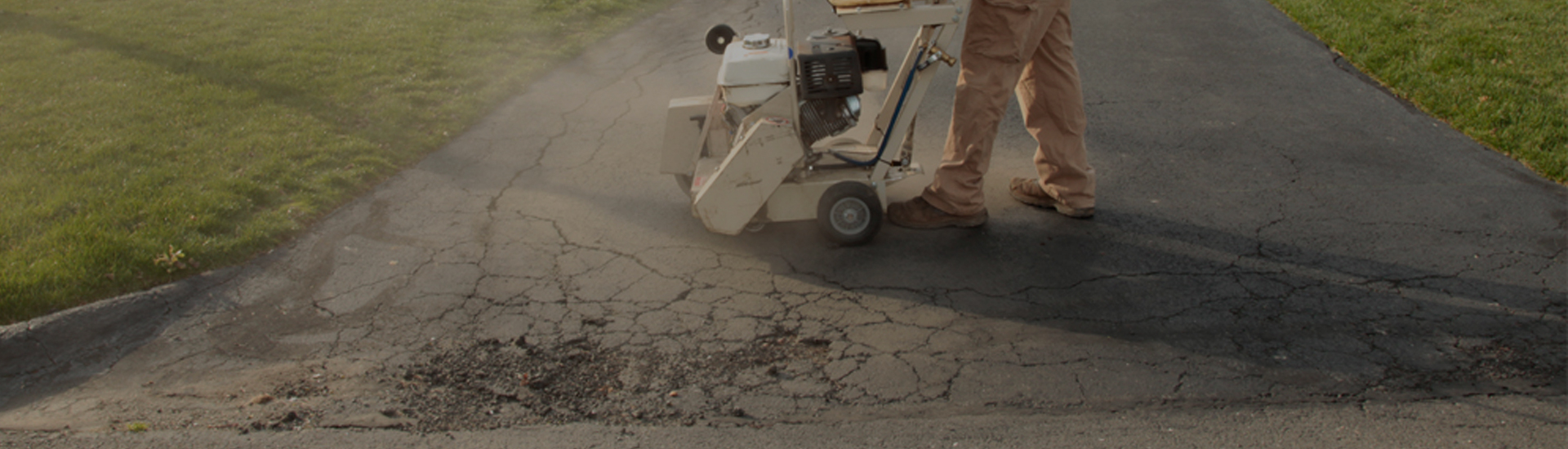 Cutting out damaged asphalt
